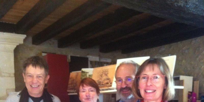Les auteurs Paule Florence Barutel aux côtés de Bernard Larrieu, président des Edem, et de membres de l'association. © Photo K. B.